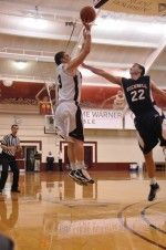 Men's Basketball Breaks Four-Game Losing Streak