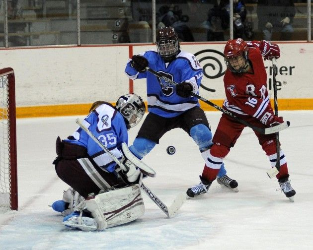 Women's Ice Hockey Plays Big at Home