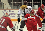 Women's Hockey Picks up First League Win at Home