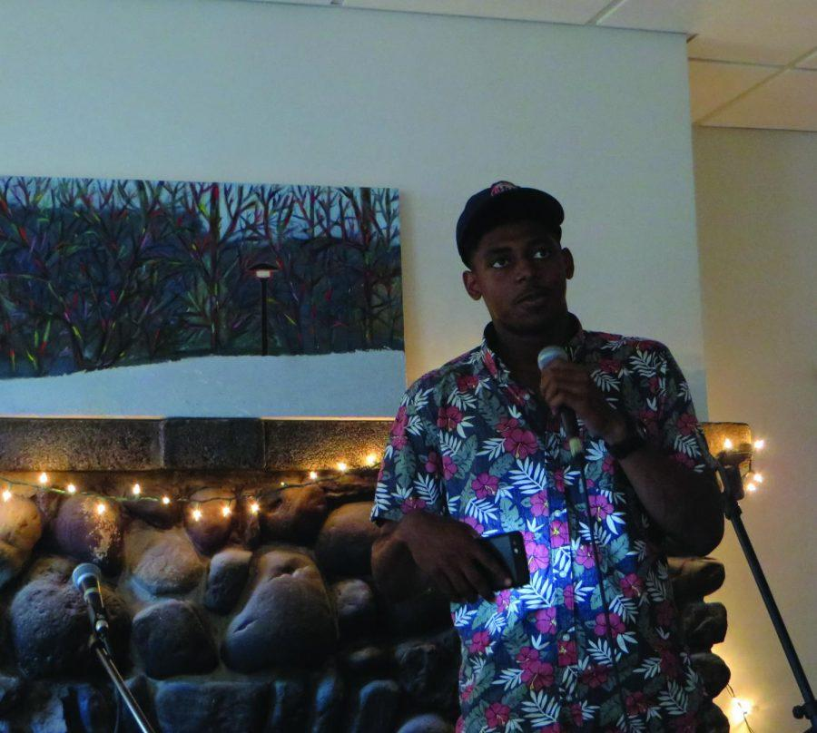 Sophomore+Jabari+Ajao+speaks+at+100+Broad+Street+as+a+part+of+the+first+Lounge+event+of+the+year.