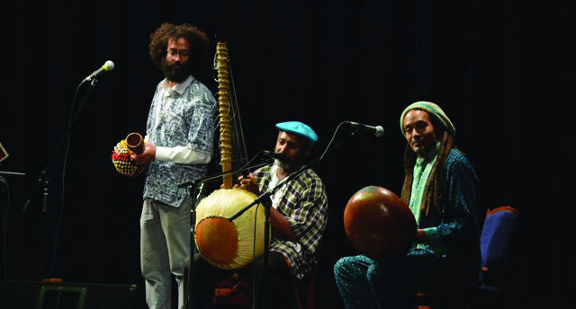 """""""Afrika Meets India"""" entertains with classical Indian instruments and exciting dance moves."""