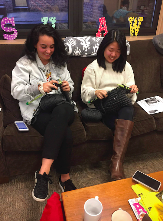 Shaw Wellness Institute Hosts Knit Night