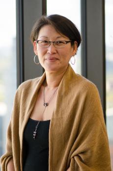 Alumna Discusses Asian-American Identity in Academia